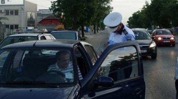 Noua modalitate de sancţionare a şoferilor. Dacă obişnuieşti să treci pe roşu trebuie să ştii asta