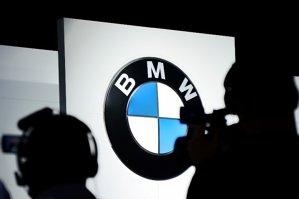BMW îşi schimbă emblema pe care o ştiam toţi! Producătorul a prezentat noul logo pentru modelele de lux