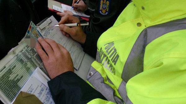 Cine poate amenda şoferii în trafic? Decizia a fost publicată azi în Monitorul Oficial