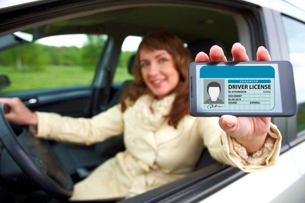 2018: Permisul auto, disponibil prin intermediul telefonului mobil