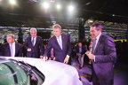 Iohannis a dat ok-ul pe MAŞINA de 200 de mil. de euro şi 1.700 de locuri noi de muncă. Este cea mai avansată maşină produsă în ROMÂNIA