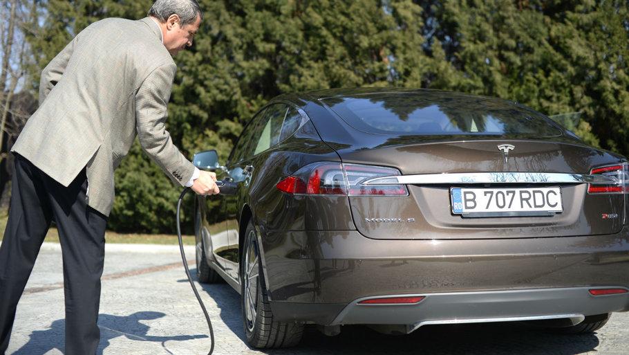 Benzină, diesel, hibride sau electrice? Care sunt cele mai nepoluante maşini?