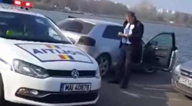 O tânără care se afla în timpul examenului auto a primit un traseu de neuitat: urmărire ca-n filme - VIDEO