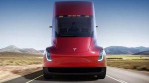 S-a lansat primul camion electric Tesla. Are o autonomie şi acceleraţie record - VIDEO