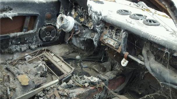 Un morman de fier vechi care costă cât o maşină de lux - FOTO