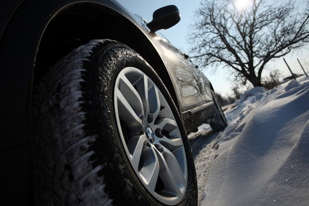 Sunt necesare anvelopele de iarnă? Ne folosesc la ceva, sau ne-au fost băgate pe gât de politicieni - VIDEO