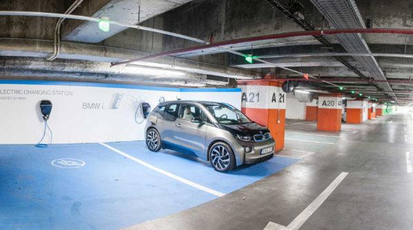 BMW instalează două staţii de încărcare pentru maşini electrice, în Bucureşti