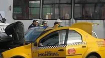 Traficul din Capitală: Poliţia e călare pe situaţie, la propriu - FOTO