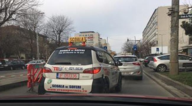 Oamenii nu ştiu vârsta reală de la care poţi să-ţi iei carnet în România. Avem dovada - VIDEO