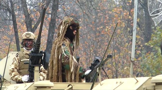 În timp ce Roman Braşov e în agonie, Ministerul român al Apărării cumpără vehicule militare din altă ţară