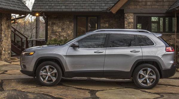 Noul Jeep Cherokee a reînviat şi vrea să întoarcă privirile clienţilor de SUV-uri premium