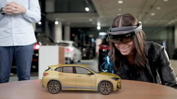 Romania, singura ţară din regiune care găzduieşte o prezentare holografică a noului BMW X2 - VIDEO