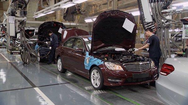 Daimler îşi propune să aibă cei mai fericiţi angajaţi