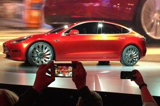 Falimentul anunţat al celei mai dorite maşini de pe Pământ în momentul ăsta. Cât timp mai aveţi să vă cumpăraţi maşina visurilor voastre?
