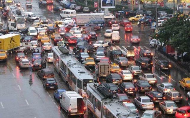 Maşinile Euro 5 şi 6 ar putea avea interdicţie în centrul Capitalei