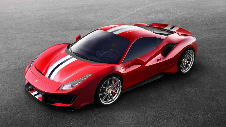 488 Pista este cel mai puternic V8 din istoria Ferrari: 711 CP. Avem imagini