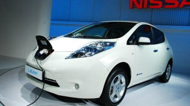 E.On şi Nissan vor construi o reţea de staţii de încărcare pentru maşini electrice