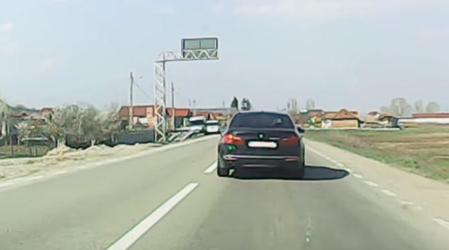 Şoferiţa agresivă, pusă la punct de Poliţie pe baza unei filmări cu camera de bord - VIDEO