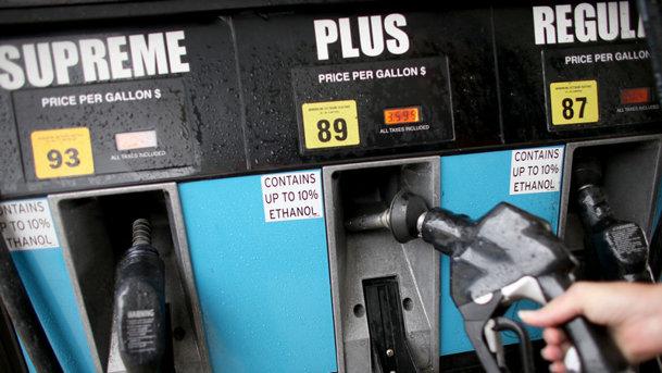 Maşinile pe benzină vor domina piaţa chiar şi în 2040
