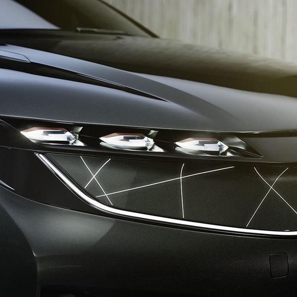 """Maşina electrică pe care s-ar putea s-o iei prin programul Rabla de la anul sau în cel mult doi ani. E mai frumoasă ca Tesla şi la preţ de """"ocazie"""" (galerie foto)"""