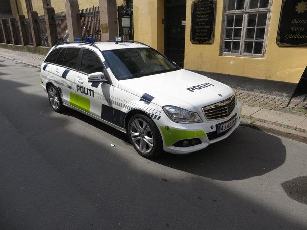 Un şofer român a primit două amenzi consistente. Cu banii ăştia îşi putea cumpăra o supermaşină