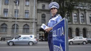 Poliţia Română informează despre luminile de avarie şi flash-urile folosite când nu trebuie