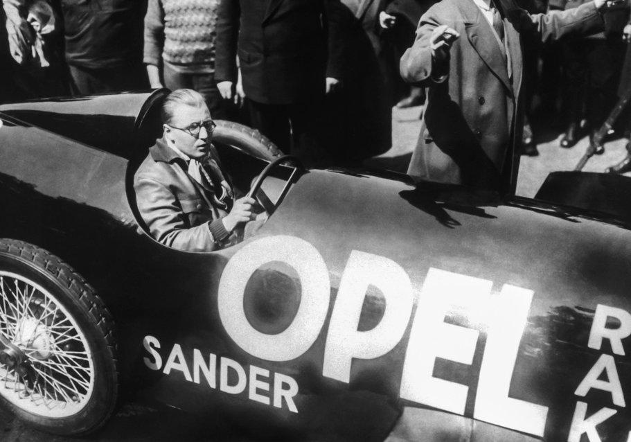 Opel sărbătoreşte 90 de ani de când a intrat în epoca rachetelor