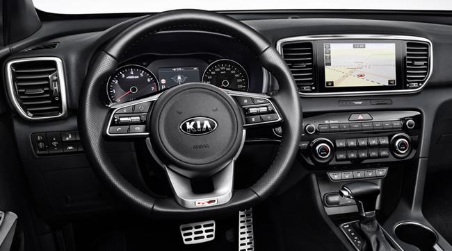 4-kia-pressrelease-2018-qlpe-interior.jpg