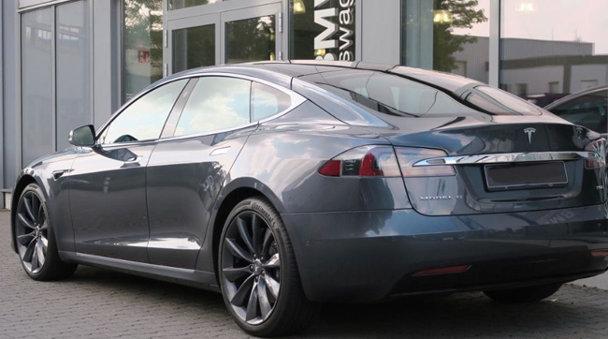 TOP 5 cele mai accesibile oferte Tesla second hand în România