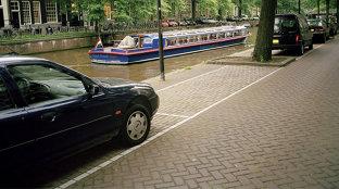 O şoferiţă româncă a crezut că a scăpat de o amendă de parcare luată în Olanda, dar a avut o supriză neplăcută