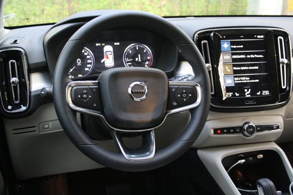 Unicul importator Volvo în România anunţă o creştere a vânzărilor peste media pieţei