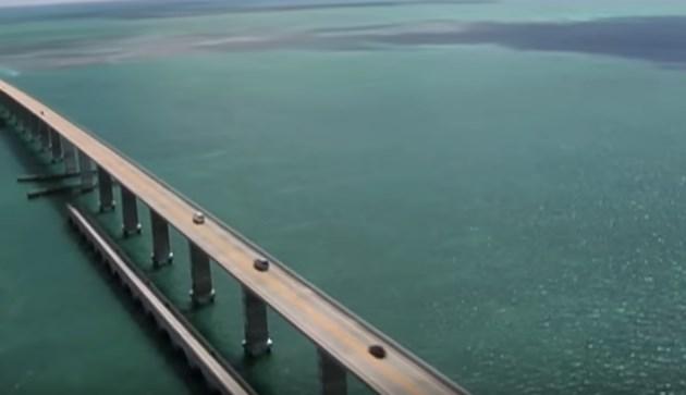 cea-mai-spectaculoasa-autostrada-din-lume-181-de-kilometri-pe-mare-video