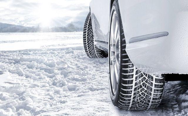 De ce sunt necesare anvelopele de iarnă. Ce spun experţii - VIDEO