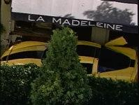 Corvette busit in restaurant