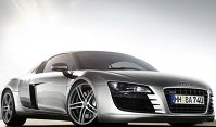 Audi R8 - atletică prin designul ei dar şi frumoasă.