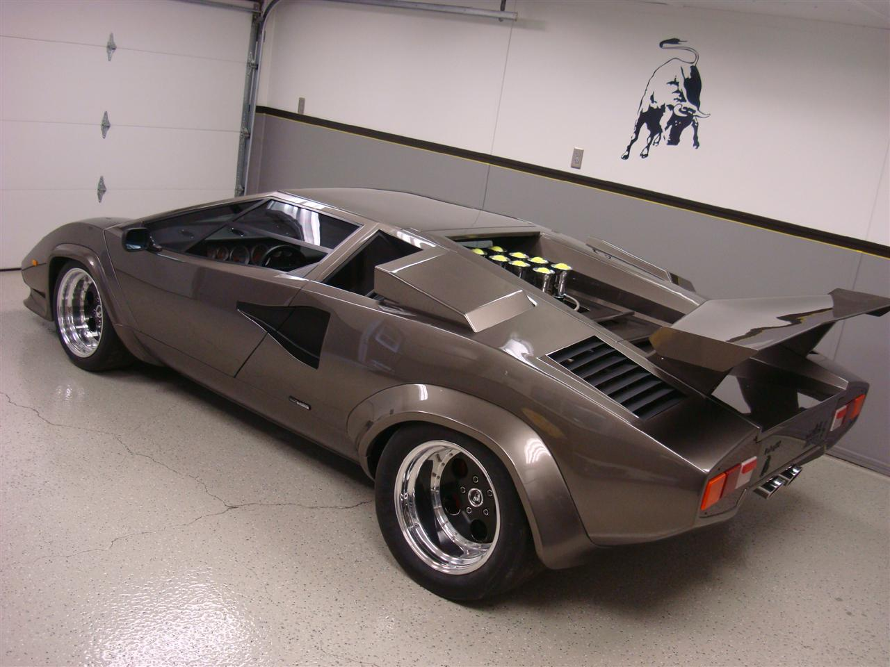 imagini lamborghini countach replica din beci. Black Bedroom Furniture Sets. Home Design Ideas
