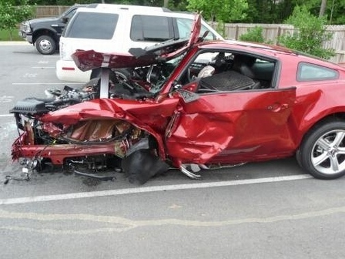 Imagini - Ford Mustang GT - accident în test-drive