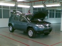 Dacia SUV cu faruri modificate