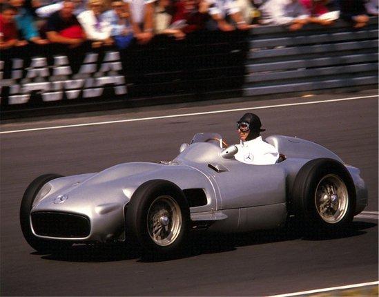 Fangio cu monopostul sau favorit in 1986