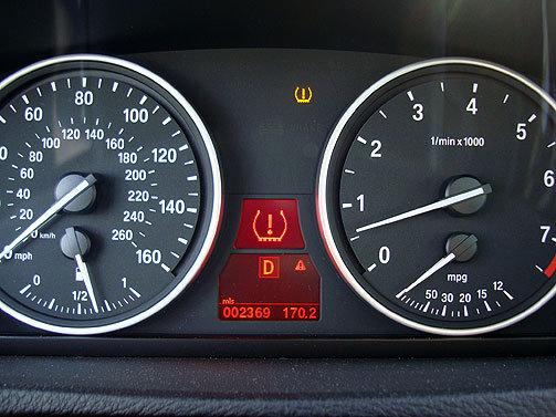 Şoferii Americani şi Indicatoarele De Presiune A Pneurilor
