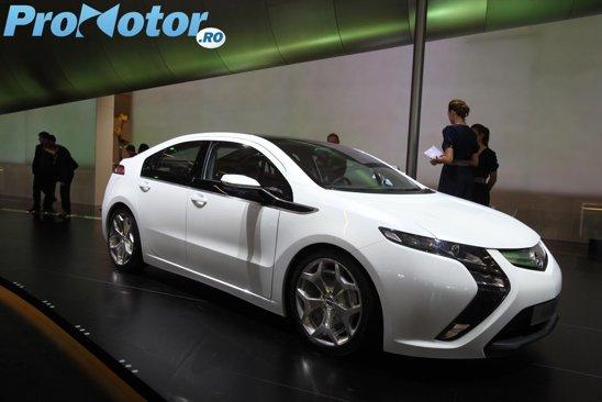Opel Ampera - live Salonul Auto Paris 2010