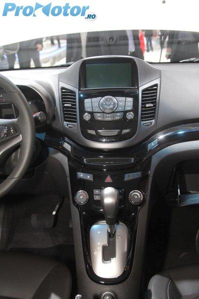 Interiorul lui Chevrolet Orlando este bine realizat si spatios