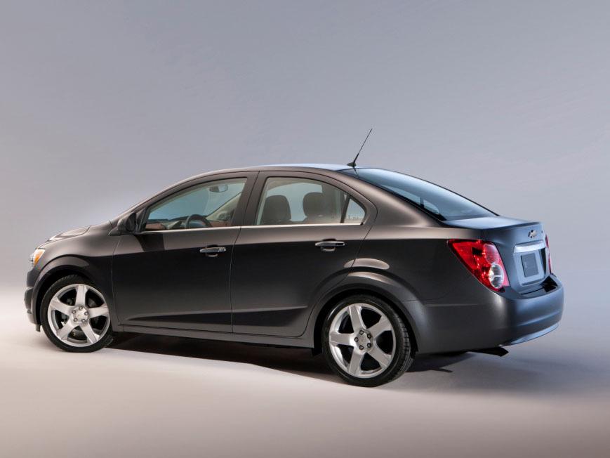 Chevrolet представляет новый Ave…