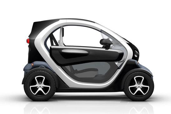 Renault Twizy intra in productia de serie la finalul lui 2011, pentru un pret de 6.900 euro