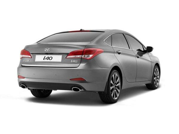 Noul Hyundai i40 Sedan este o berlină de clasă medie cu un gabarit generos si linii fluide
