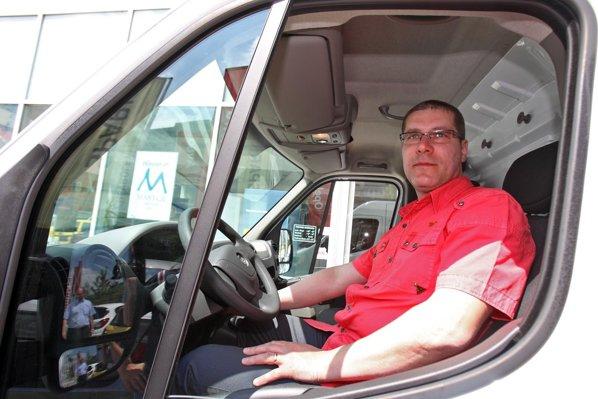 Herdes Gabriel-Valerica - marele castigator al premiului Castiga noul Opel Movano pentru firma ta