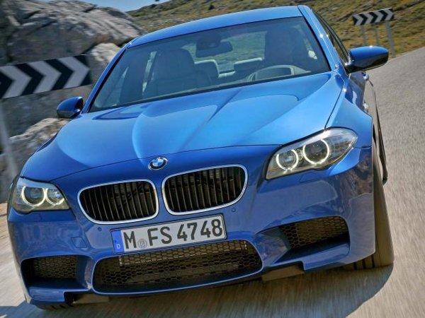 Motorul noului BMW M5 este un V8 twin-turbo de 552 CP si 680 Nm