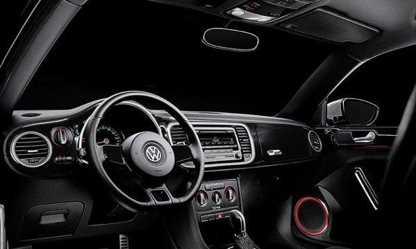 Interior all-blackpentru VW Beetle Black Turbo Launch Edition