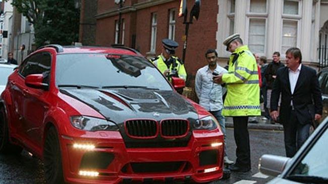 Imagini   Poli  Ia Britanic   Confisc   Ma  Inile   Mecherilor Arabi