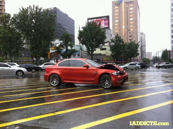 BMW Seria 1 M - primul exemplar din Coreea implicat intr-un accident